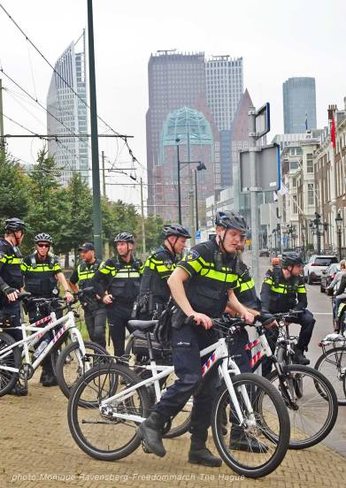 Freedom-210925-The-Hague-Police-bike-2
