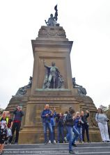 Freedom-210925-The-Hague-statue