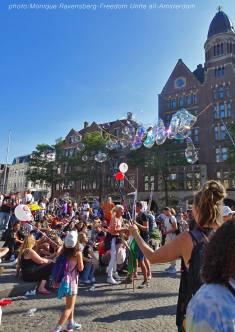 Freedom-Unite-210905-Dam-bubbles2