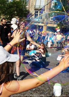 Freedom-Unite-210905-Dam-bubbles3