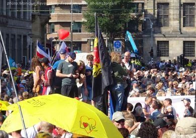 Freedom-Unite-210905-Dam-crowd2