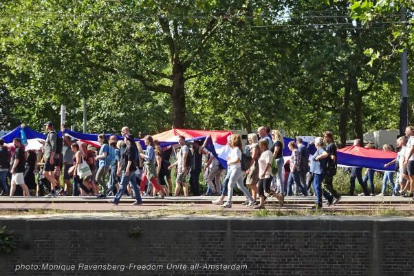 Freedom-Unite-210905-walk-flag