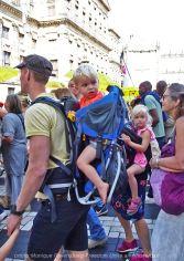 Freedom-Unite-210905-walk-kids