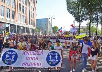 Freedom-Unite-210905-walk-Kids3