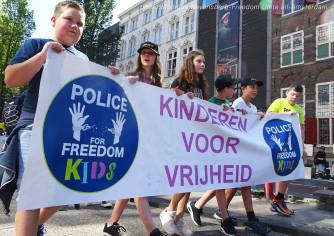 Freedom-Unite-210905-walk-Kids4
