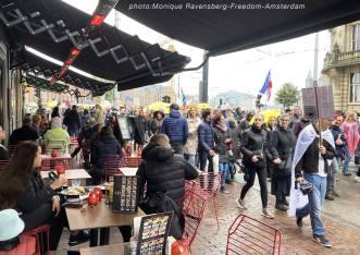 Freedom-211003-A'M-walk-terrasse